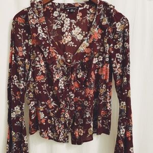 American Eagle |XS lace front boho peasant top
